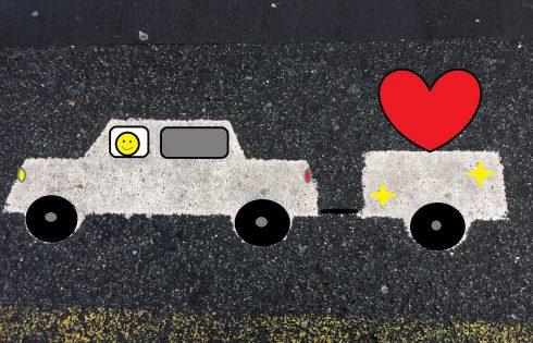 mit Liebe im Gepäck, Verkehrsschild