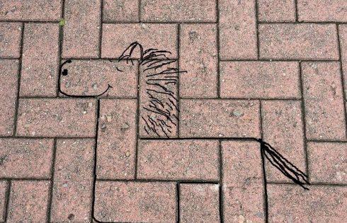 #streetart, Pflastersteinpferd
